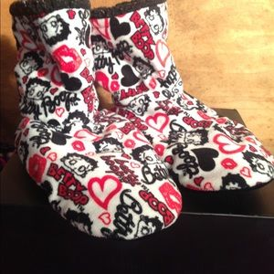 Betty Boop house slippers/booties size small